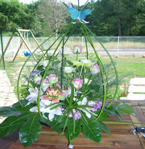 art floral photos des compositions florales fleur en cage conseils en d coration florale. Black Bedroom Furniture Sets. Home Design Ideas