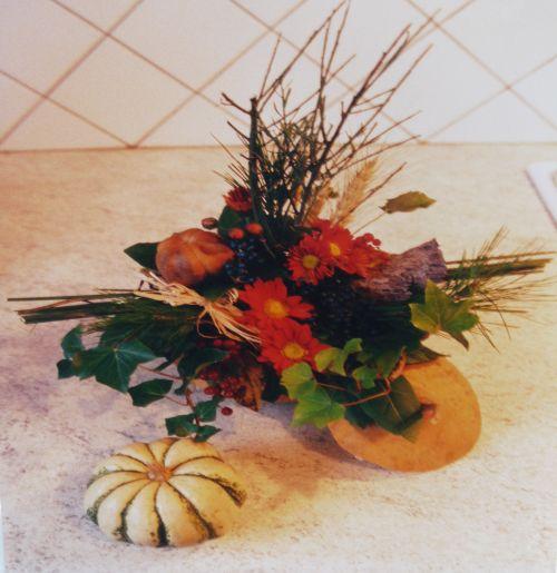 Art floral photos des compositions florales panier d 39 automne conseils en d coration florale - Composition florale automne ...